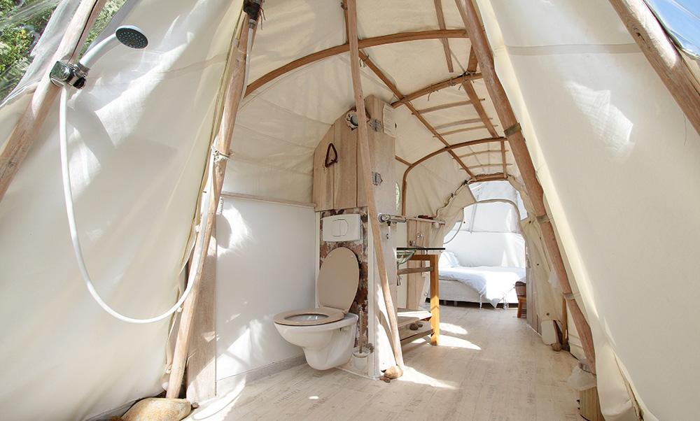 tipi 03 chambres d 39 h te atypique. Black Bedroom Furniture Sets. Home Design Ideas