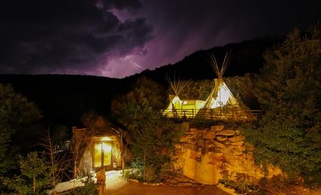 La cabane Rocamadour et le tipi