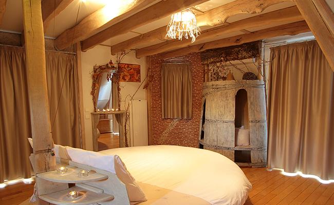 Hébergements insolite chambre Saint Cirq insolite